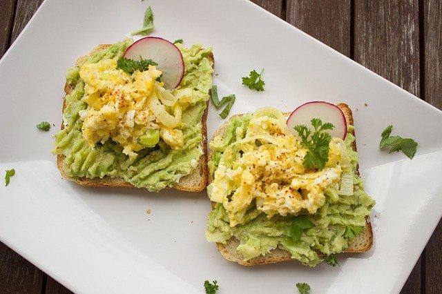 Nie rezygnuj z pożywnego śniadania